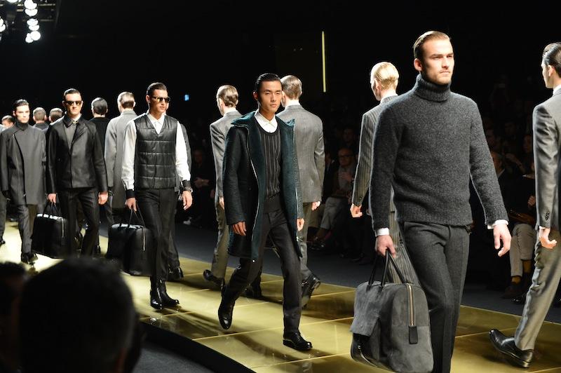 E  stata una delle sfilate più attese della Milano Fashion Week quella di Ermenegildo  Zegna. La collezione Autunno Inverno 2013 della Maison immagina per il ... d7794dc0f8a