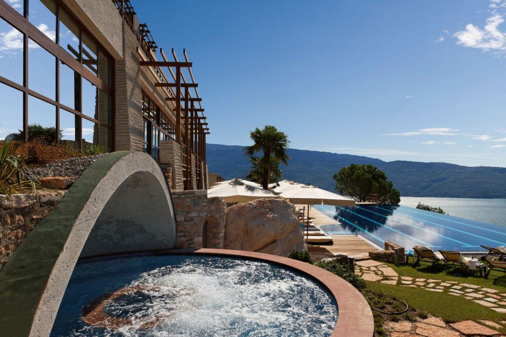 3 Le Fay Resort_Whirlpool_Fonte_Roccolino