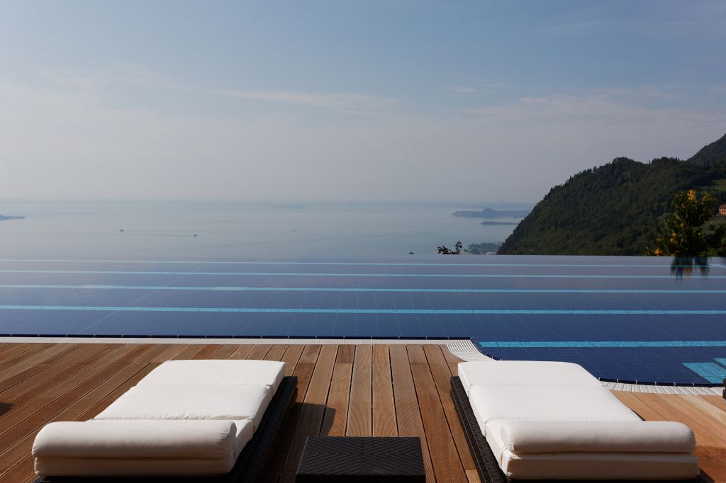 4 Le Fay Resort_Infinity_Pool