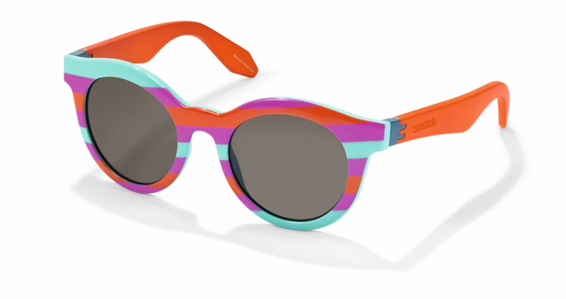 Gli occhiali di Swatch, cui si può cambiare la mascherina