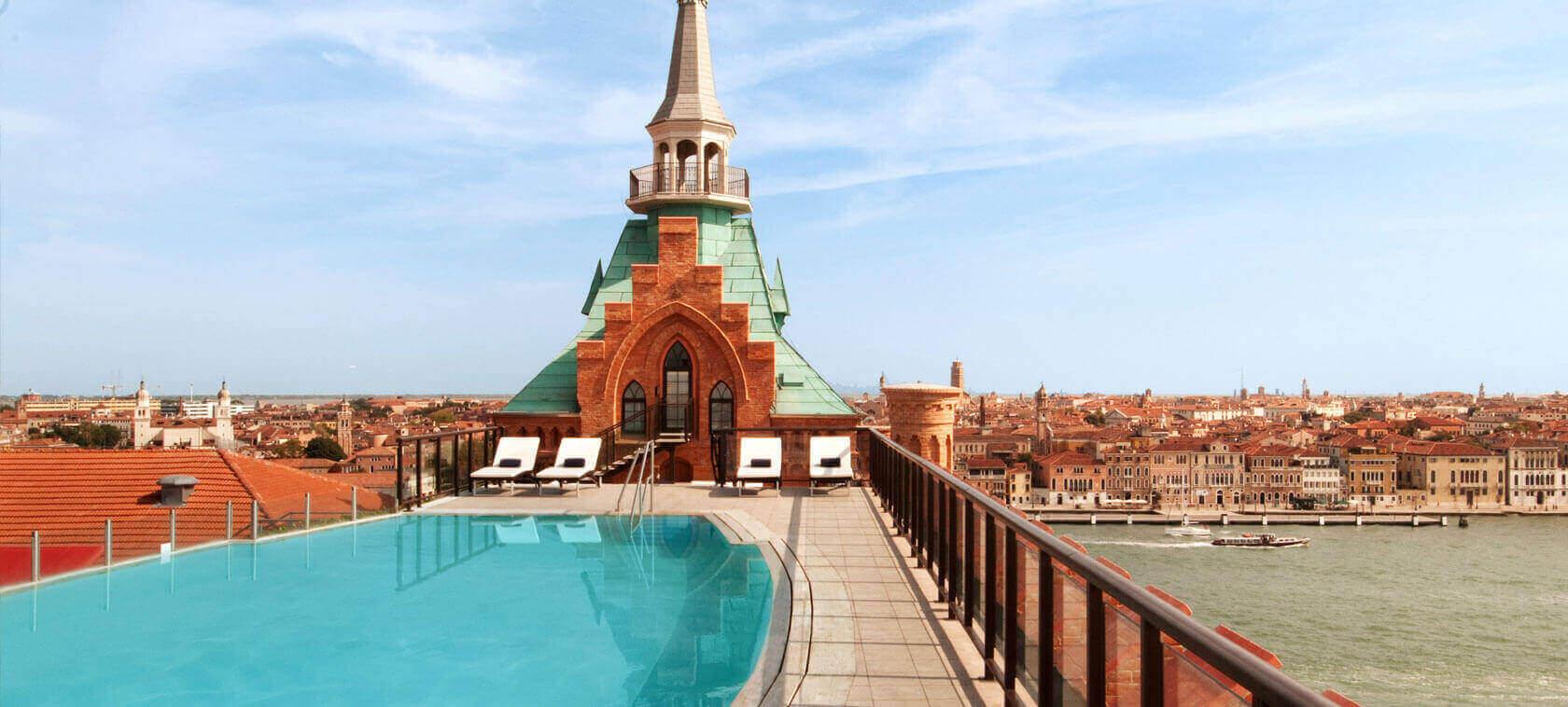 8 piscine mozzafiato da nord a sud italia - Piscine roma nord ...