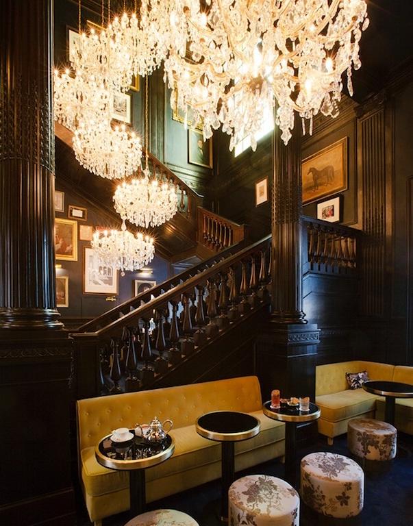 Palazzo Dama_bar+stair_ph. by Oberto Gili (2)