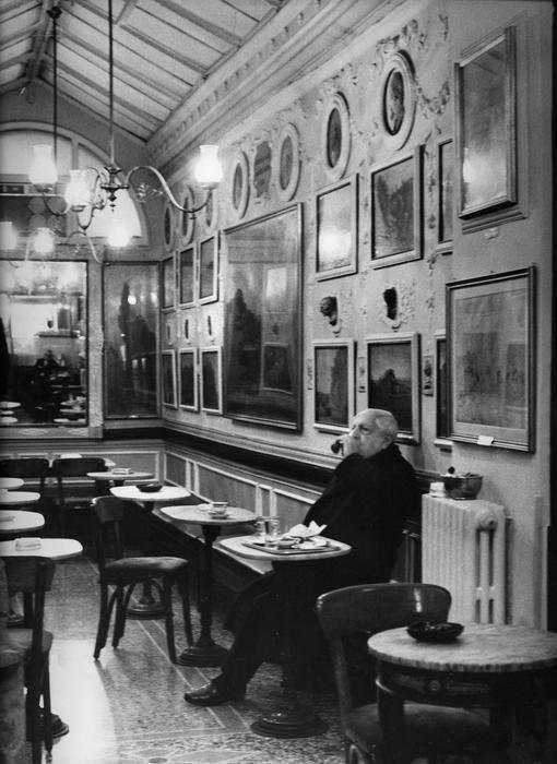 Giorgio de Chirico al Caffè Greco, Roma