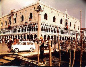 Fiat 500 Giardiniera a Venezia (1960)