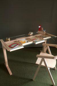 Leo desk, Valsecchi