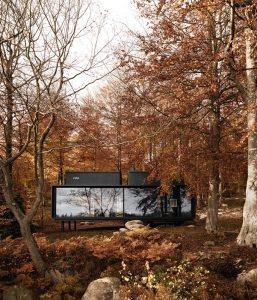 Vipp-Shelter-outside-autumn