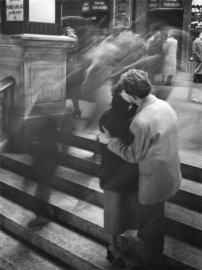 Baiser Passage Versailles (1950), Robert Doisneau