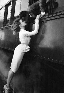 Train kiss (2010) Annie Leibovitz per Vogue
