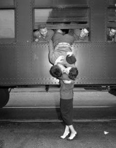 Un bacio d'addio prima della guerra di Korea (Los Angeles,1950), Frank Brown