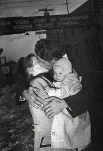 Un soldato americano accolto a casa (1940)