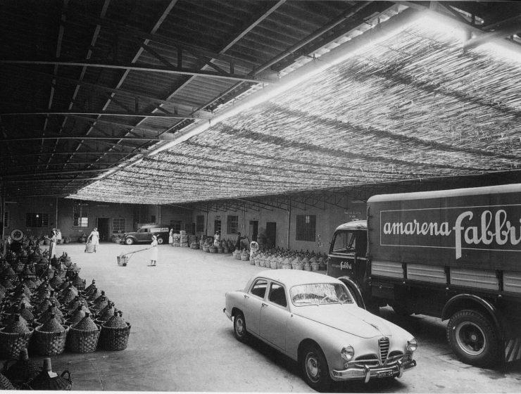 Stabilimento di Borgo Panigale, area di carico delle merci - 1950